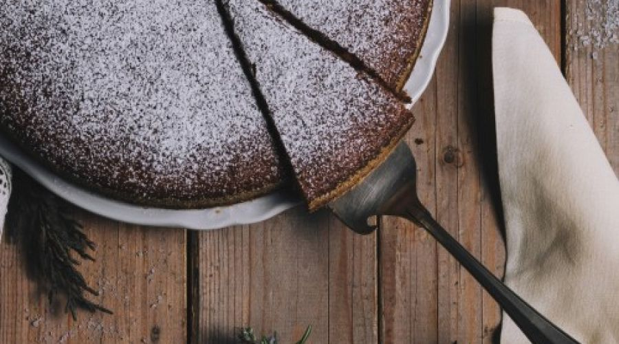 A recipe by Emanuela: the chocolate and Rosada pears cake